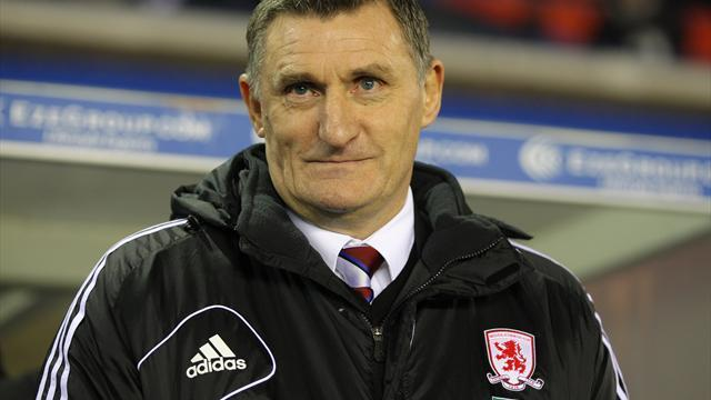 Football - Mowbray unlikely to make transfer move