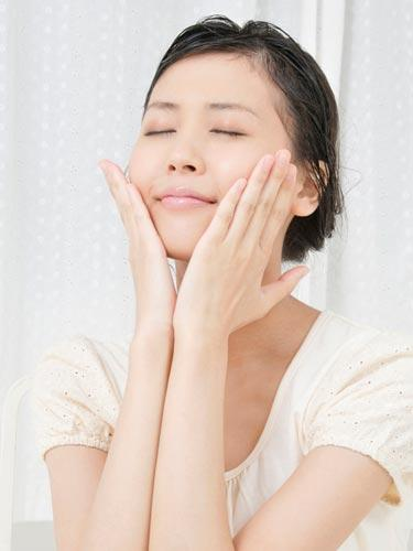 The Skin Saver: A facial massage