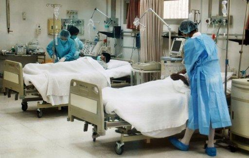 "Patients are treated in a hospital in Kuwait City on April 24, 2007. Kuwait is to bar foreigners from attending public hospitals in the mornings, local media reported on Thursday, in a decision activists labelled as ""racist"""