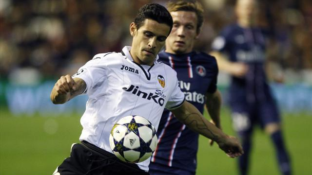 Liga - Costa to take Valencia pay-cut