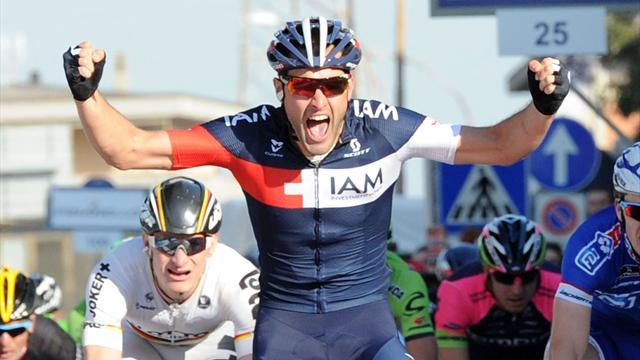 Cycling - Pelucchi snatches stage two as Cavendish retains lead in Italy