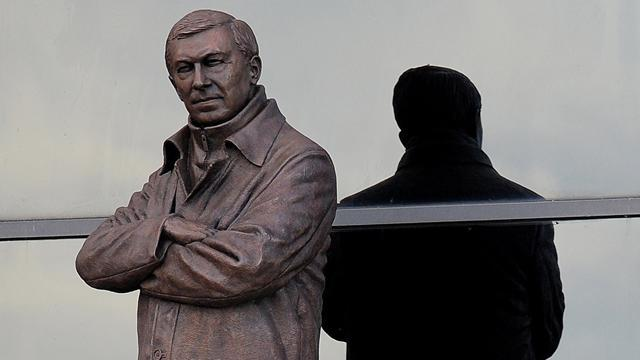Premier League - United unveil Ferguson statue