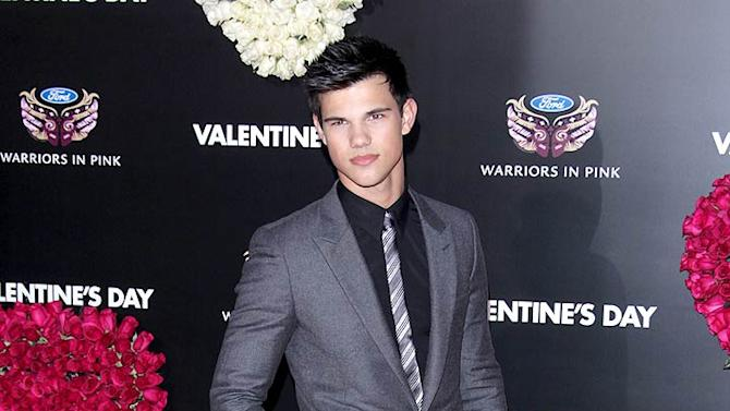 Lautner Taylor Valentines Day