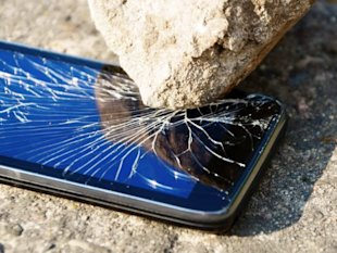 Survey: 1 In 6 Smartphones Meet An Untimely End Each Year image BrokenSmartphone770px 600x451