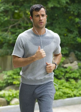 Jenifer Aniston's Fiancé Justin Theroux Shows Off His Package As He 'Sweats It Out' In New York