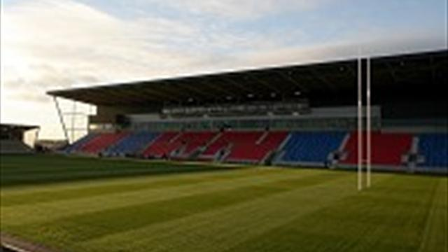 Rugby League - Lowe takes role in Salford takeover bid