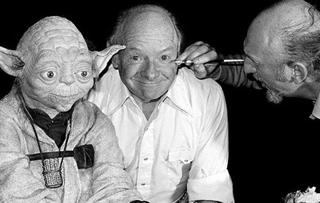 Freeborn (centre), with Yoda and Irvin Kershner (Credit: imigur)