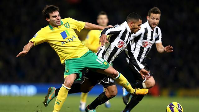 Football - Canaries fail to break Toon