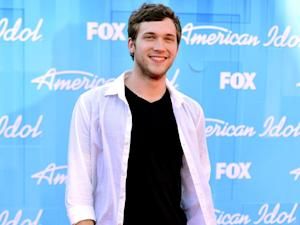 Phillip Phillips Leaves Hospital After Kidney Surgery