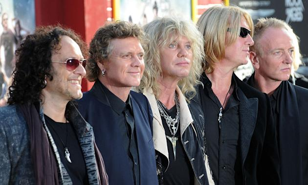 Def Leppard cut ties with record label bosses
