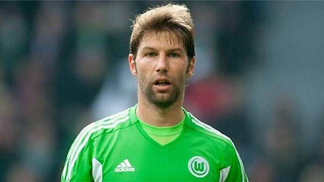 Premier League - Hitzlsperger signs for Everton