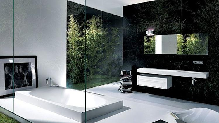 Contemporary tubs make a splash