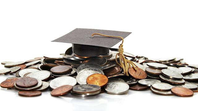 Money Minute: What happens when you don't pay your student loans?