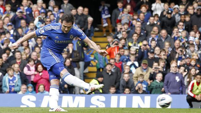 Premier League - Lampard closes on record as Chelsea down poor Swansea