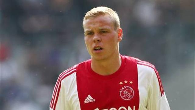 European Football - Late Sigthorsson winner puts Ajax four points clear
