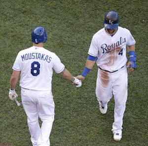 Perez leads Royals to 8-4 victory over Yankees