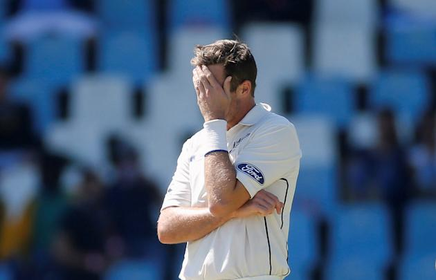 Cricket - New Zealand v South Africa - second cricket test match - Centurion Park , Centurion , South Africa - 28/8/2016 New Zealand's Tim Southee reacts during their cricket match against South A