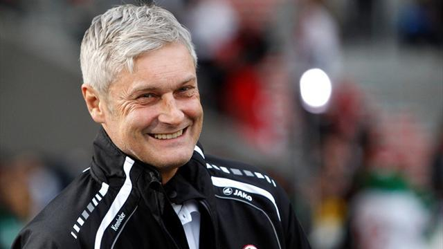 Bundesliga - Eintracht coach Veh to leave at the end of the season