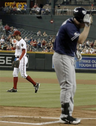 Padres beat Diamondbacks, spoil Bauer's home debut