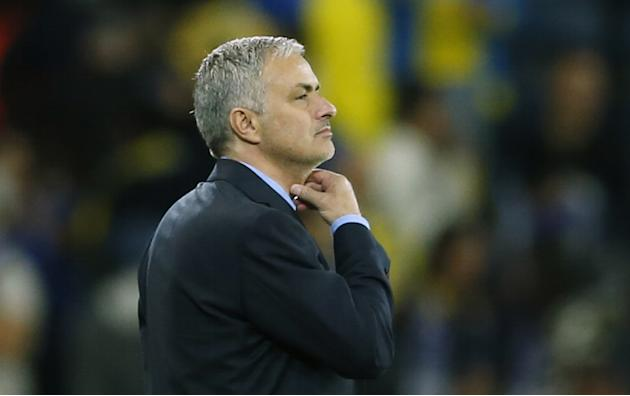 Chelsea: Jose Mourinho wants Olympiacos to qualify for knockout stage at Arsenal's expense