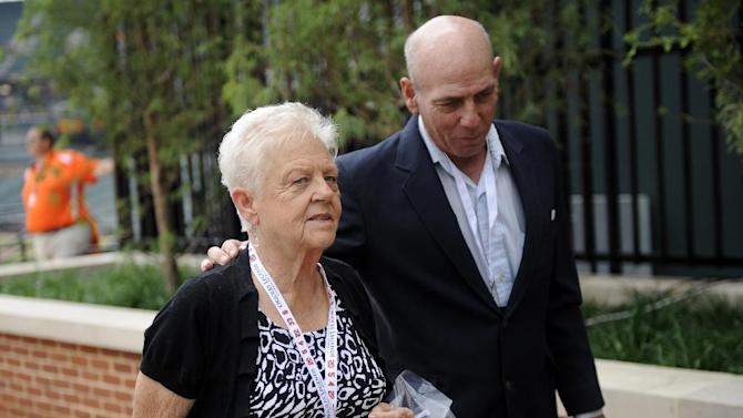 Man charged with trying to carjack Ripken's mom