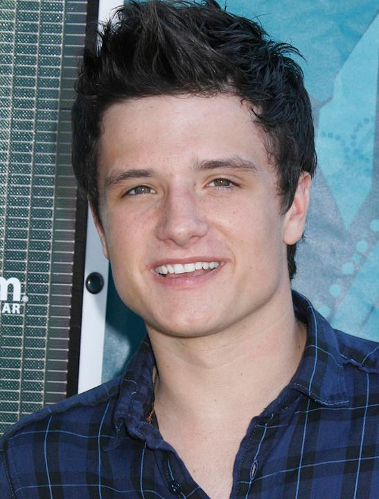 Josh Hutcherson photos: Wowzers, this is one tasty pic.