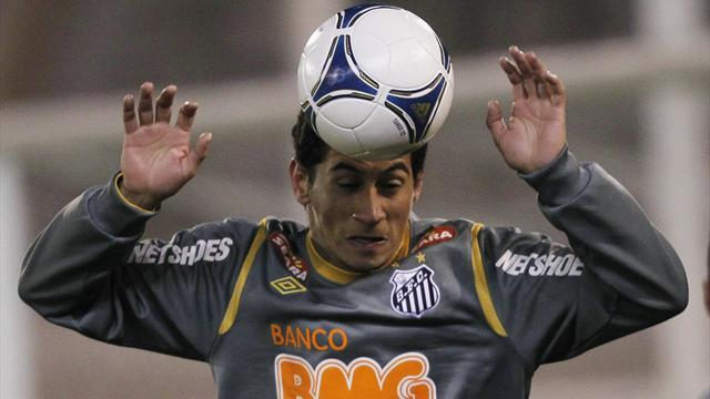 World Football - Santos given ban over Ganso coin-throwing
