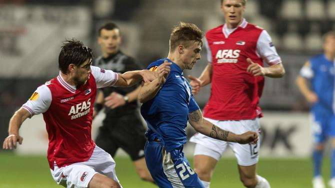 AZ Alkmaar's Wuytens fights for the ball with Slovan Liberec's Budnik during their Europa League soccer match in Alkmaar
