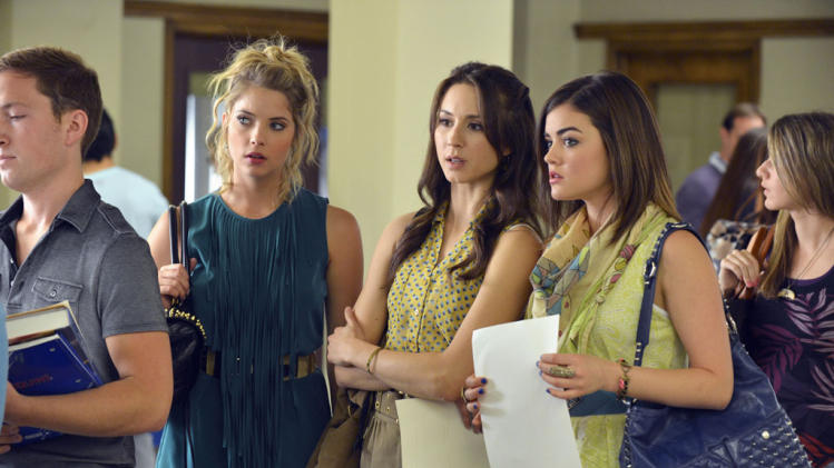 """Pretty Little Liars"" - ""It Happened 'That Night'"": ASHLEY BENSON, TROIAN BELLISARIO, LUCY HALE"