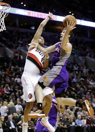 Suns hold off Blazers 102-98