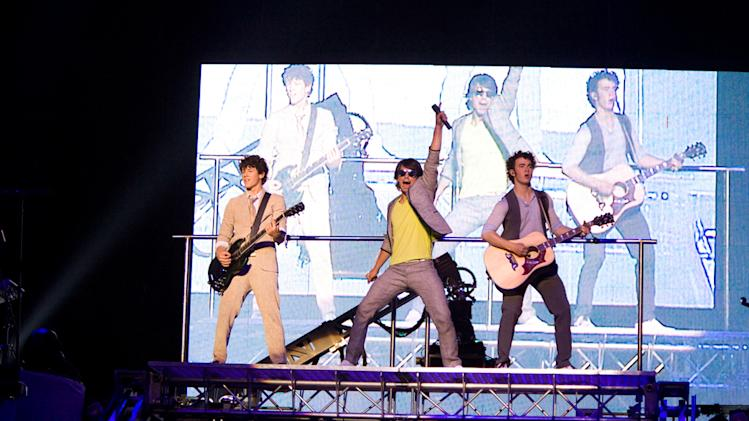 Nick Jonas Joe Jonas Kevni Jonas Jonas Brothers: The 3D Concert Experience Production Stills Walt Disney 2009