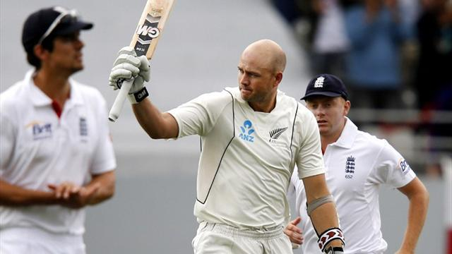 Cricket - England toil as Fulton hits ton for NZ