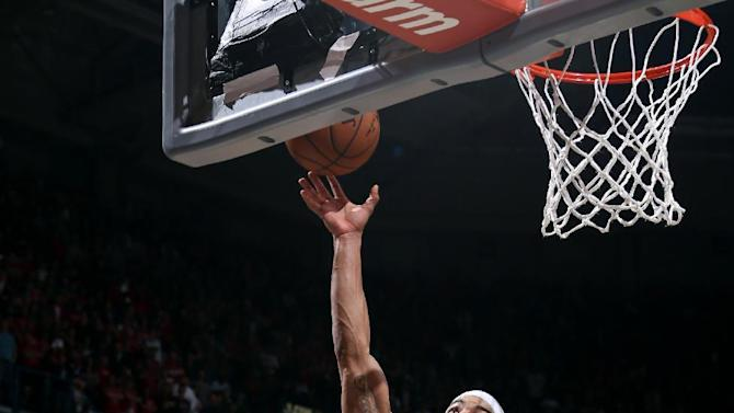 Bayless' layup at buzzer gives Bucks 92-90 win over Bulls