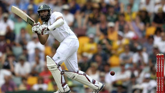 Cricket - South Africa dig in against Australia