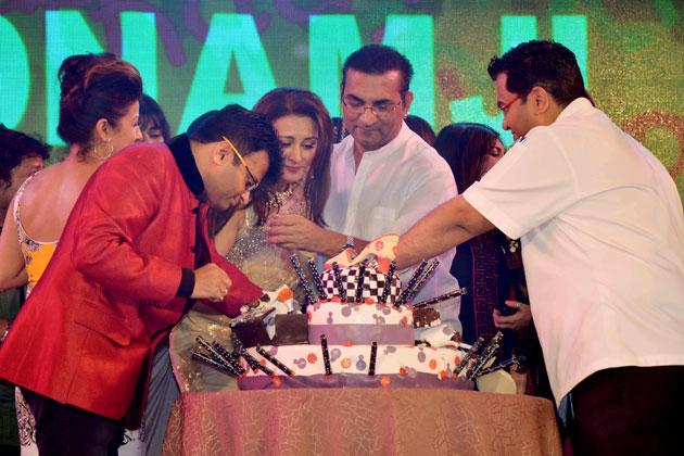 Celebs at Poonam Dhillon's birthday bash