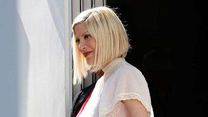 Tori Spelling Store Opng