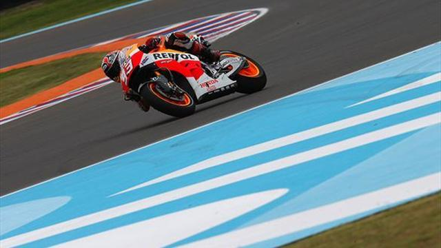 Motorcycling - Marquez smashes pack to take easy Argentina pole