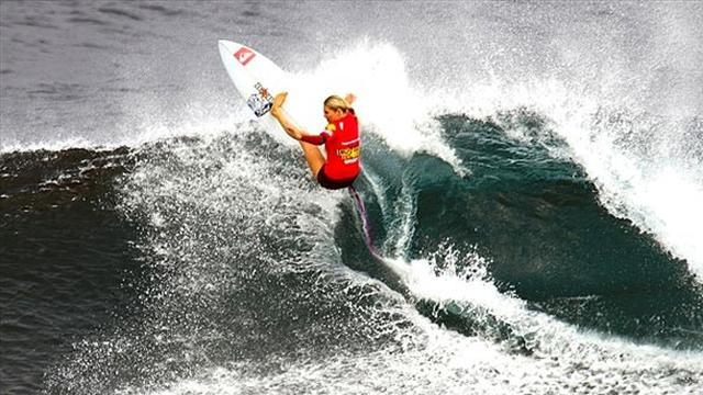 Surfing - Gilmore leaves it late to progress in Newcastle