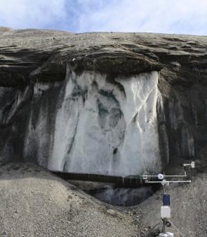 Melting Permafrost Found in Antarctica's Dry Valleys