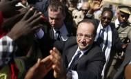 Mali: Hollande Greeted By Cheering Crowds