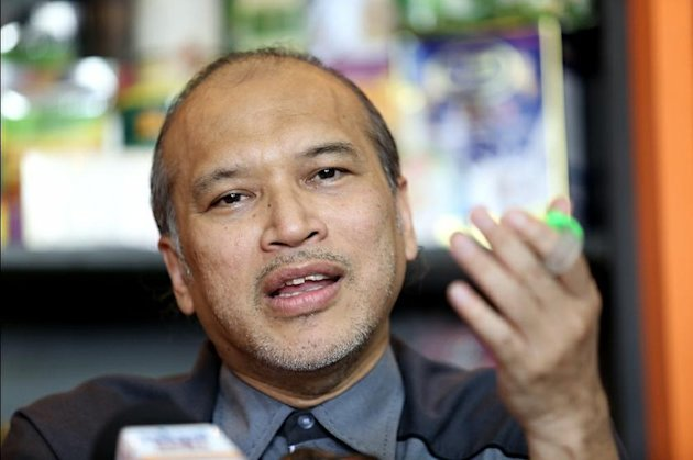 According to Datuk Nadzim Johan of the Malaysian Muslim Consumers Association (PPIM), those who are reluctant to do so are only putting up 'excuses' in their support for the Palestinians. — Picture by Saw Siow Feng.