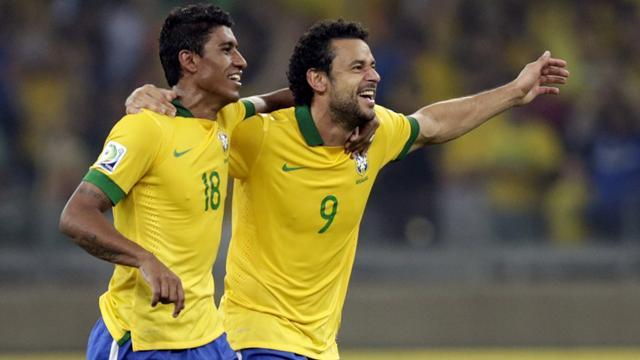 Confederations Cup - Paulinho heads Brazil into final