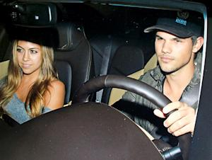 PIC: Taylor Lautner Has Dinner Date With Ex-Girlfriend Sara Hicks
