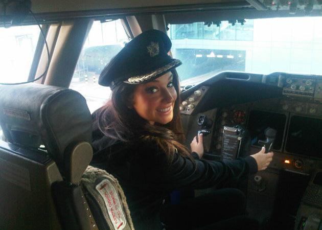 Tulisa Contostavlos, pilot