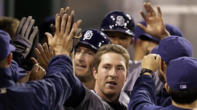 Padres hand Pirates 2nd straight loss, 5-2