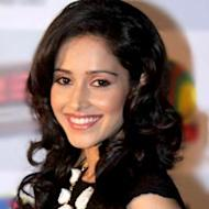 Nushrat Bharucha Gets The North Indian Dialect Right In 'Akaash Vani'
