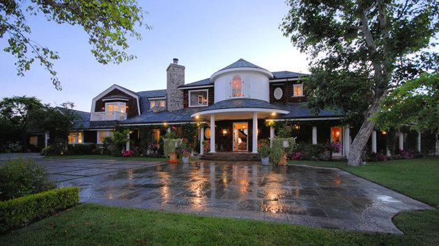 Jessica Simpson refashions Osbourne mansion for new baby