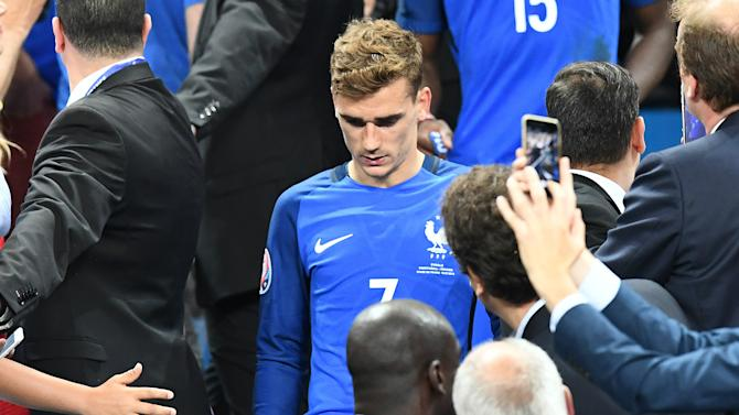 Griezmann's final chance to challenge Ronaldo for 2016 Ballon d'Or