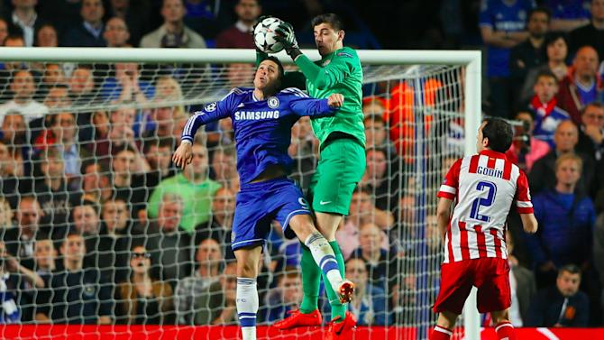 Liga - Courtois confirms Mourinho talks, refuses to be drawn on future