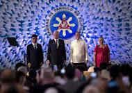(L-R) MILF chairman Al Haj Murad Ibrahim, Malaysian PM Najib Razak, Philippine President Benigno Aquino and Presidential Adviser on the Peace Process Secretary Teresita Quintos-Deles before the signing of a peace pact in Manila, on March 27, 2014